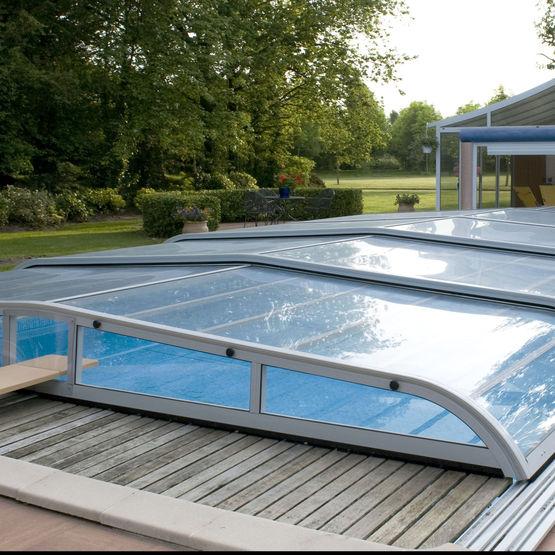 abri de piscine cintr t lescopique arabesk v randa rideau. Black Bedroom Furniture Sets. Home Design Ideas