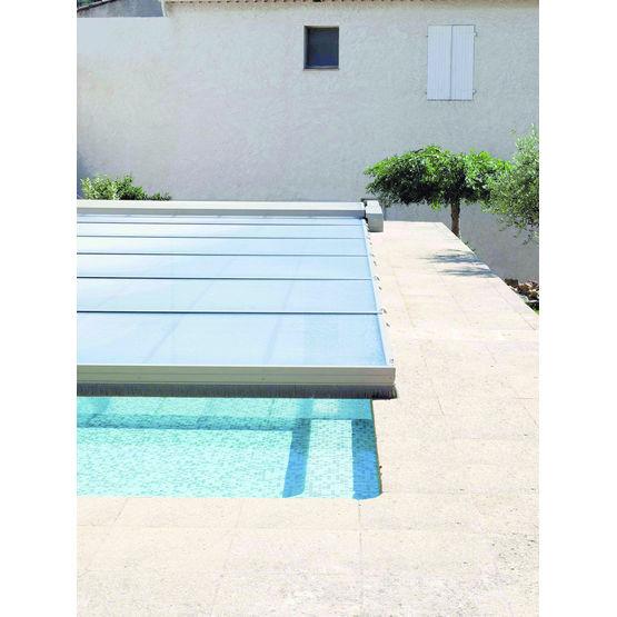 Abri de piscine plat en polycarbonate abri plat abrisud for Abris piscine plat