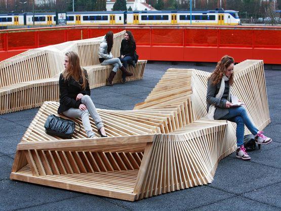 Aménagements extérieurs en bois massif modifié | Mobilier urbain et Aménagements Extérieurs en Bois Accoya