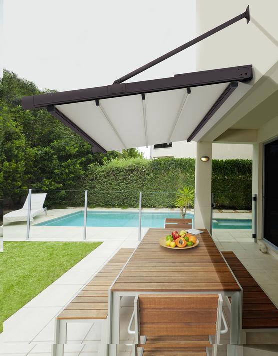 auvent en aluminium store r tractable gennius france. Black Bedroom Furniture Sets. Home Design Ideas