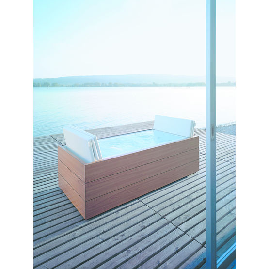 baignoire d bordement pour l 39 int rieur et l 39 ext rieur sundeck duravit. Black Bedroom Furniture Sets. Home Design Ideas