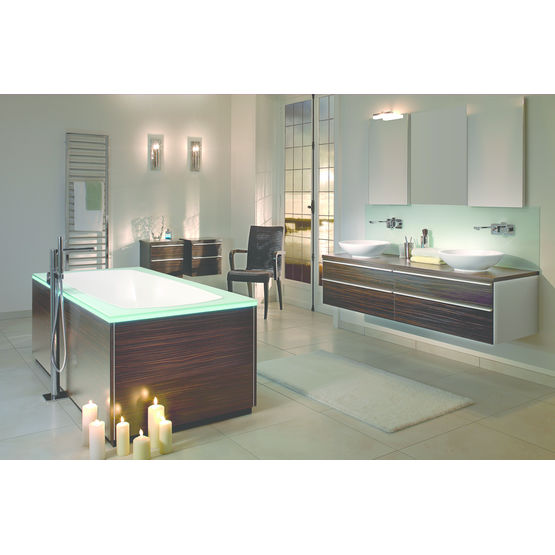 baignoire avec rebords en verre ou mat riau de synth se noir villeroy boch. Black Bedroom Furniture Sets. Home Design Ideas