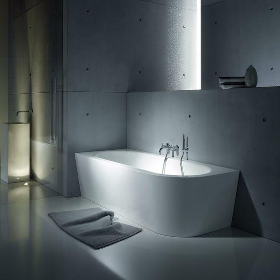 baignoire centrale design baignoire lot xcm x acrylique. Black Bedroom Furniture Sets. Home Design Ideas