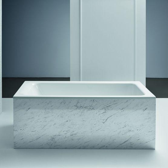 baignoire encastrable avec bonde centrale et trop plein aux pieds. Black Bedroom Furniture Sets. Home Design Ideas