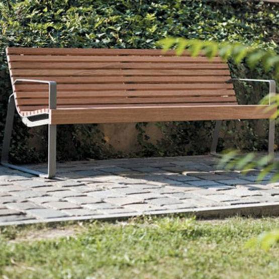 Banc avec assise et dossier en bois exotique ou en acier preva urbana mmcit - Banc en bois avec dossier ...