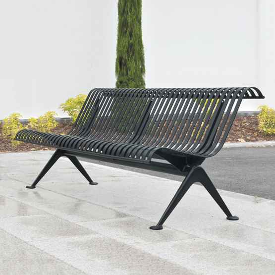 banc en fonte lames en acier verticales area. Black Bedroom Furniture Sets. Home Design Ideas