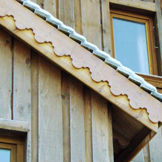Bande de rive en bois planches de rives s n boivin - Fabricant lambrequin bois ...