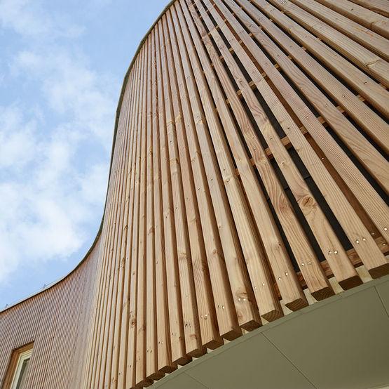 bardage en bois pour b timents de grande hauteur en milieu humide piveteaubois. Black Bedroom Furniture Sets. Home Design Ideas