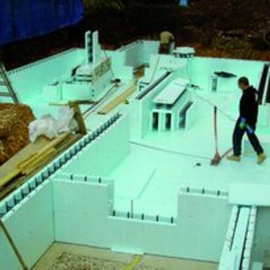 bloc de coffrage isolant en module de 2 5 m tres de. Black Bedroom Furniture Sets. Home Design Ideas