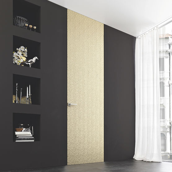 Bloc porte fleur de mur effet invisible - Poser bloc porte entre 2 murs ...