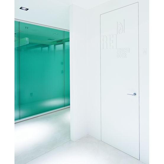 bloc porte battant affleurant cf 1 2 h porte battant r sistant au feu rei 30 l 39 invisibile. Black Bedroom Furniture Sets. Home Design Ideas