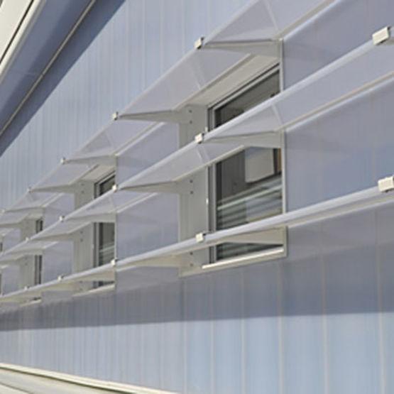 brise soleil translucide en polycarbonate color. Black Bedroom Furniture Sets. Home Design Ideas
