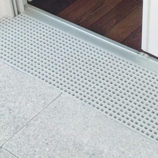 caillebotis en polyester moul anticorrosion caillebotis polyester jk technic. Black Bedroom Furniture Sets. Home Design Ideas