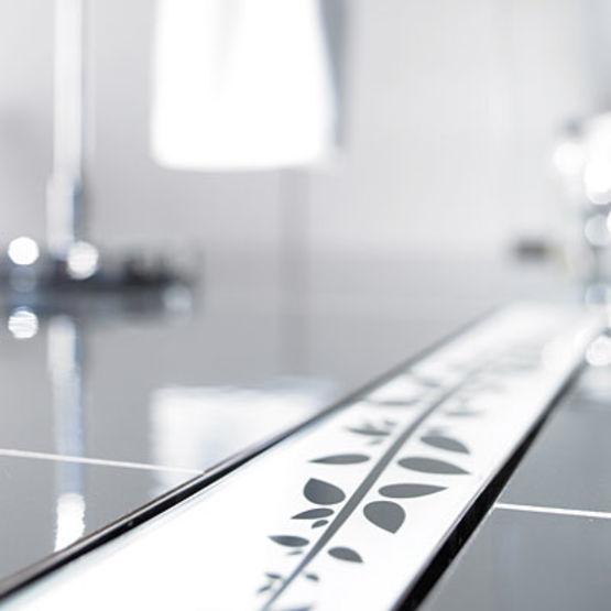 caniveau de sol pour douche l 39 italienne aco. Black Bedroom Furniture Sets. Home Design Ideas