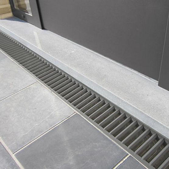 caniveaux drainage lin aire a15 b125 pour jardins et terrasses. Black Bedroom Furniture Sets. Home Design Ideas