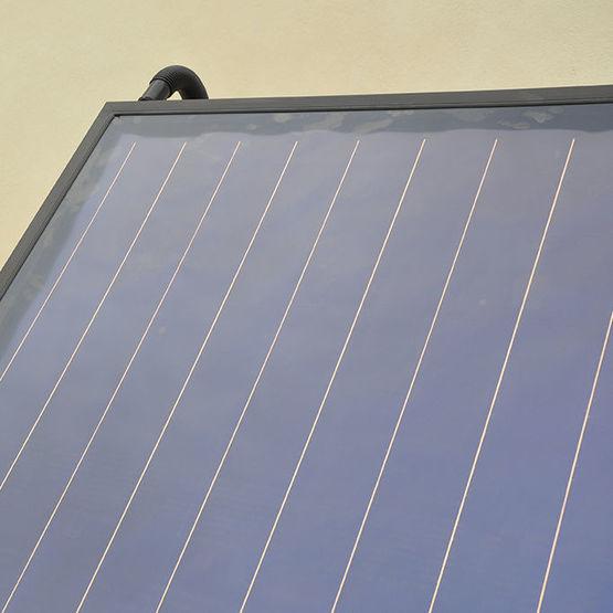 capteur solaire thermique isolation renforc e frisquet. Black Bedroom Furniture Sets. Home Design Ideas