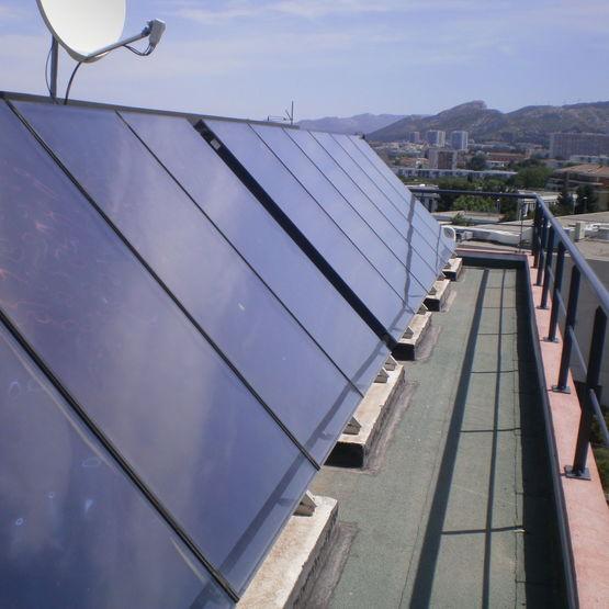capteurs solaires thermiques pour chauffage d 39 ecs collective giordano. Black Bedroom Furniture Sets. Home Design Ideas