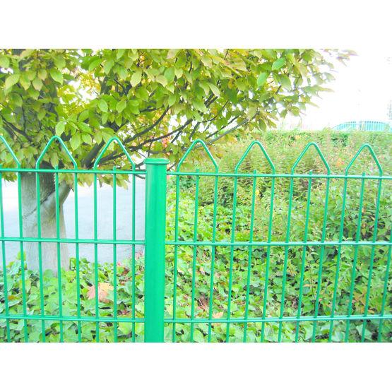 Cl ture panneaux en fils d 39 acier clonor for Cloture metallique jardin