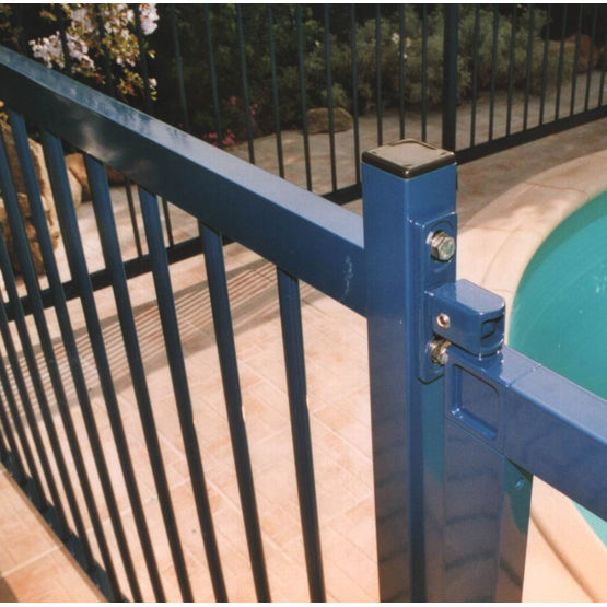 Clot re aluminium pour protection des piscines ulysse for Cloture aluminium pour piscine