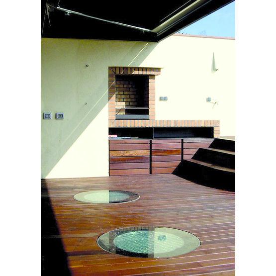 conduit de lumi re encastrable dans le sol flat top la. Black Bedroom Furniture Sets. Home Design Ideas