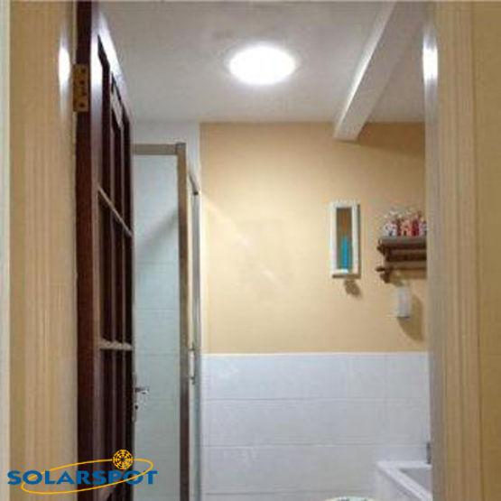 conduit de lumi re naturelle pour l 39 habitat puits de lumi re solarspot pour l 39 habitat lfr. Black Bedroom Furniture Sets. Home Design Ideas