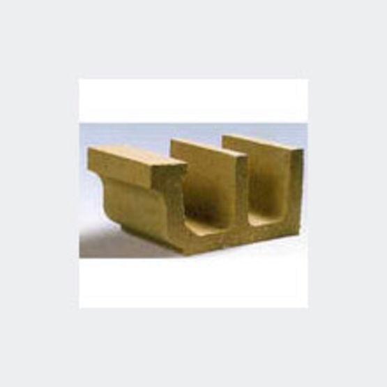 corniche avec fonction goutti re en b ton d 39 aspect pierre corniche goutti re stradal profils. Black Bedroom Furniture Sets. Home Design Ideas