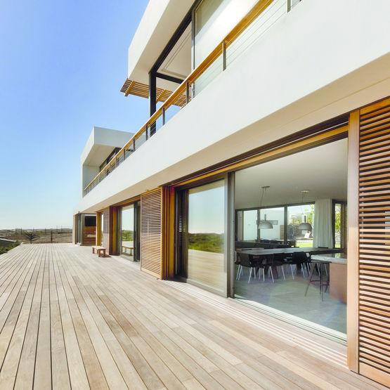 coulissant levage de tr s grandes dimensions isolation thermique lev e ass 70 hi sch co. Black Bedroom Furniture Sets. Home Design Ideas