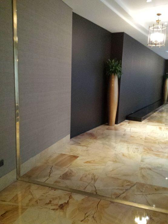 Couvre joint clipser pour habillage de murs sols for Habillage de murs exterieurs