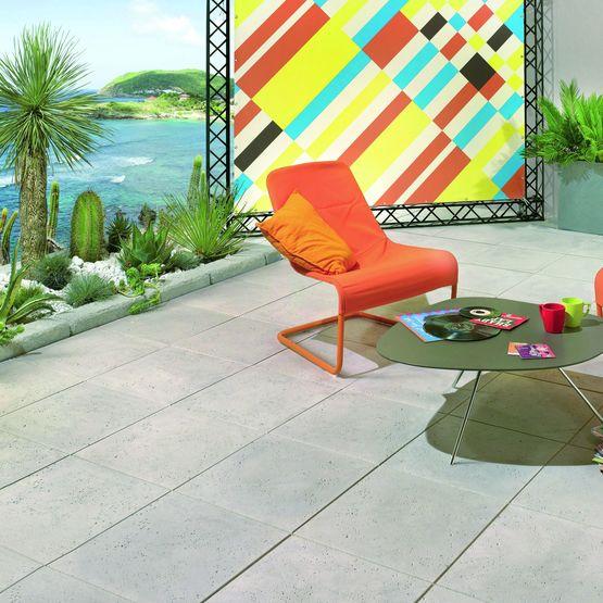 dalle en pierre reconstitu e d aspect travertin jouques. Black Bedroom Furniture Sets. Home Design Ideas
