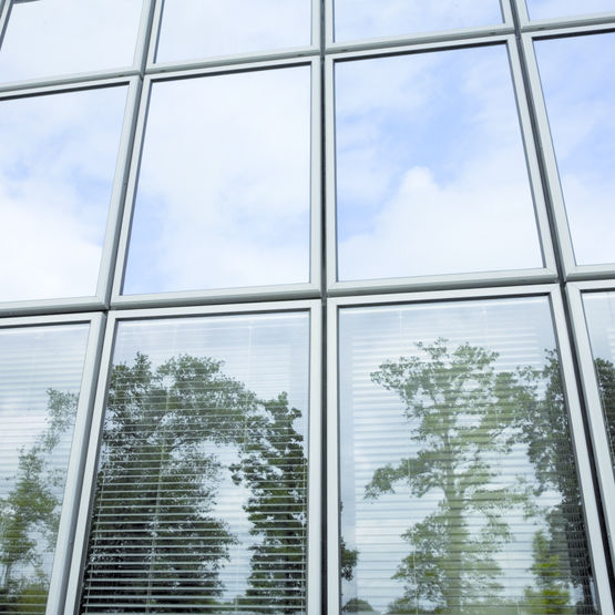 double vitrage store v nitiens int gr s climaplus screen xtrem 60 28 glassolutions france. Black Bedroom Furniture Sets. Home Design Ideas