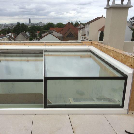 dicule vitr avec porte coulissante motoris gv acc s terrasse mural glazing vision paris. Black Bedroom Furniture Sets. Home Design Ideas