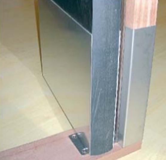 L ments de protection pour huisserie et vantaux de blocs for Huisserie pvc
