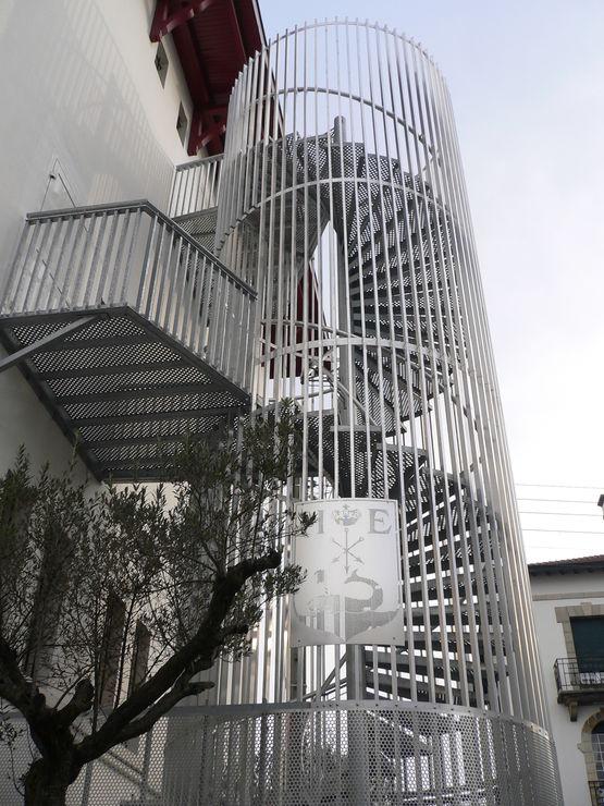escalier helicoidal metallique gantois