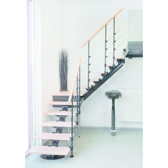 escalier quart tournant avec palier sur mesure en kit pr t. Black Bedroom Furniture Sets. Home Design Ideas