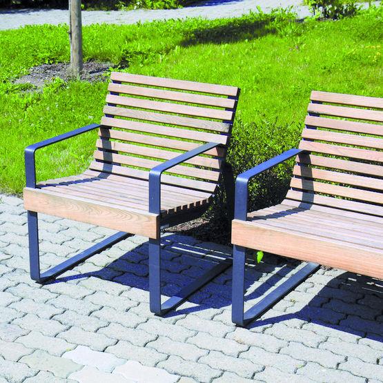 fauteuil en acier et lames de bois exotique mmcit. Black Bedroom Furniture Sets. Home Design Ideas