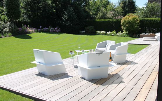 fauteuil en t le d aluminium pour terrasse sevenmoods. Black Bedroom Furniture Sets. Home Design Ideas