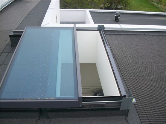 fen tre de toit coulissante ouverture totale glazing. Black Bedroom Furniture Sets. Home Design Ideas