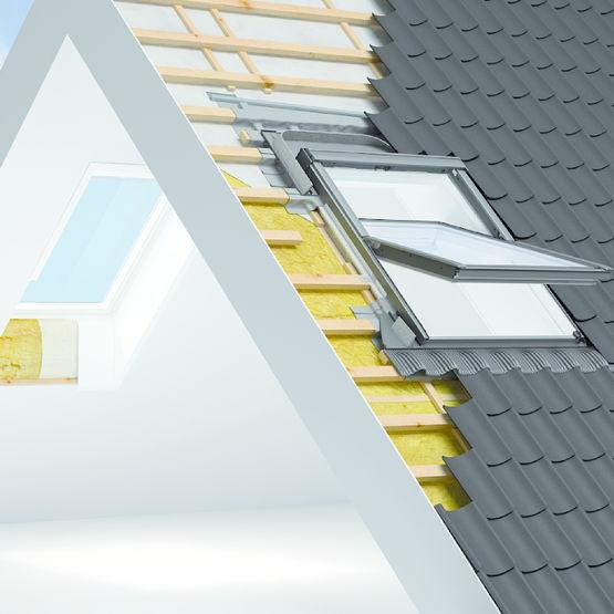 fen tre de toit universelle pour toutes les all ges fen tre rotation velux. Black Bedroom Furniture Sets. Home Design Ideas