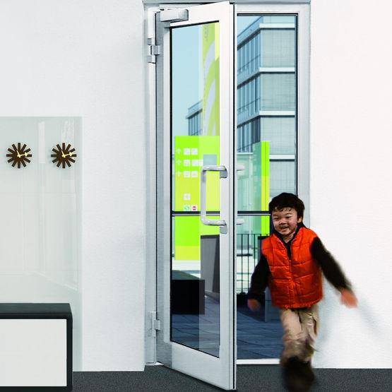 Ferme porte coulisse avec aide l 39 ouverture int gr e ts 5000 ecline geze - Porte avec chatiere integree ...