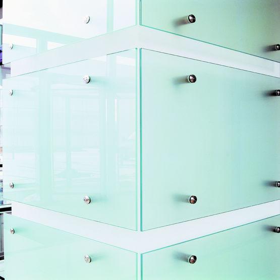 fixations rigides ou articul es ajustables fixations. Black Bedroom Furniture Sets. Home Design Ideas