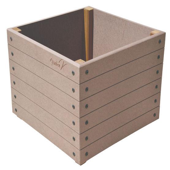 gamme de cache pot basik garden jacquenet malin. Black Bedroom Furniture Sets. Home Design Ideas