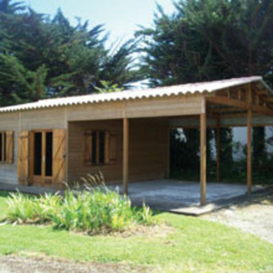 Garages ateliers d montables ossature bois garage for Ashoka a la maison annexe