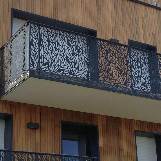 garde corps remplissage en t le d 39 aluminium villet le gifetal aluminium. Black Bedroom Furniture Sets. Home Design Ideas