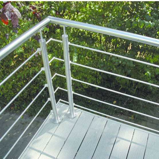 garde corps inox pour palier escalier ou balcon oxynov deck lin a. Black Bedroom Furniture Sets. Home Design Ideas