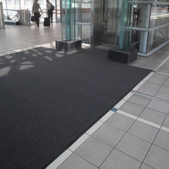 Gateway Tapis Anti Poussiere Grattant Et Absorbant Btb Benoit Le