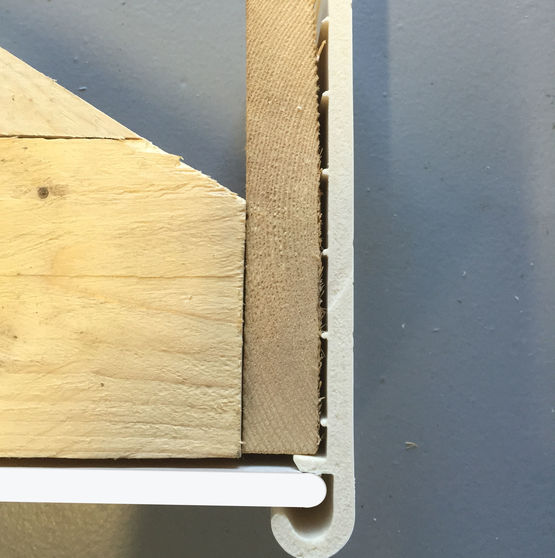 Habillage en pvc pour rives de toiture en r novation for Habillage fenetre pvc renovation