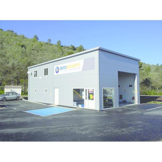 hangar atelier pr fabriqu standard ou sur mesure en acier. Black Bedroom Furniture Sets. Home Design Ideas