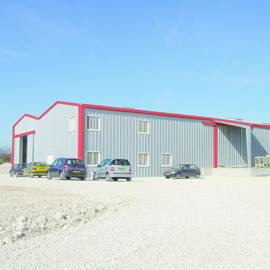 Hangar Galvanisé Kit hangar en acier galvanisé à toiture double pente | hangar galco - galco