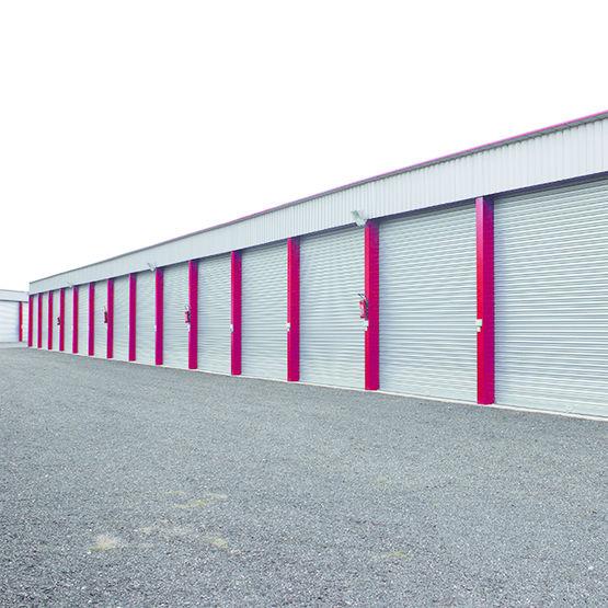 hangar en acier galvanis toiture simple pente. Black Bedroom Furniture Sets. Home Design Ideas
