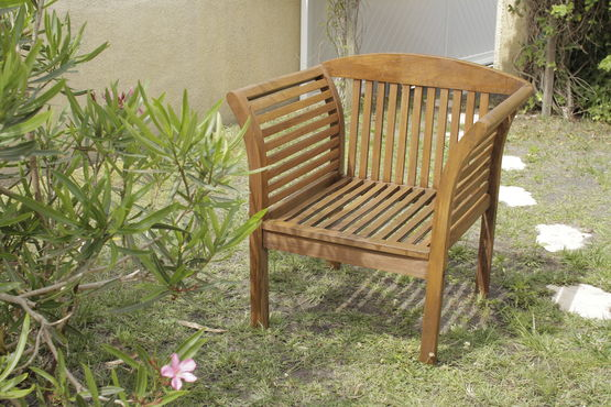 huile pour teck huile de protection pour bois exotiques phase aqueuse batiproduits. Black Bedroom Furniture Sets. Home Design Ideas